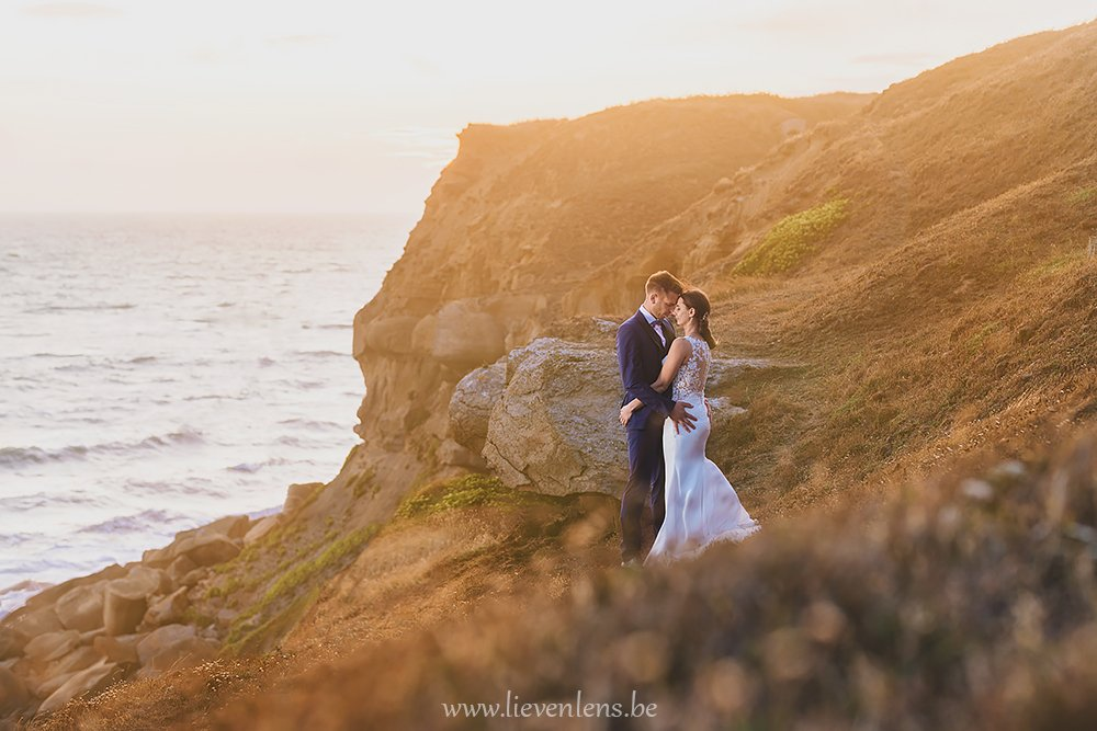 Wedding-pictures-in-the-golden-hour